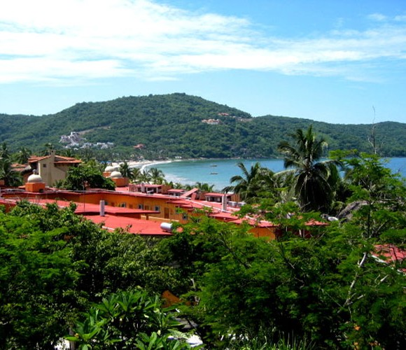 Mexican-Seaside-Charm-in-Zihuatanejo