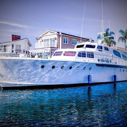The-Aviator-An-Exclusive-Look-at-Nico-Santucci's-New-Luxe-Yacht