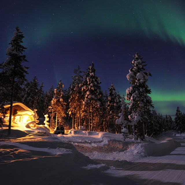 An evening can be so #romantic under the northern lights. Don't you think?