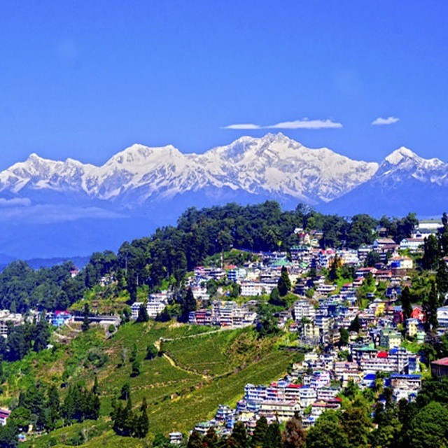 #India is not all about the crowds. Welcome to #Darjeeling.