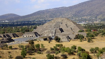 Pyramid of the Moon: Teotihuacan