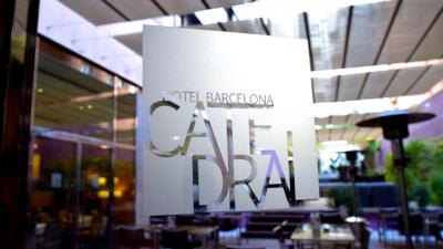Hotel Barcelona Catedral: Modern Luxury